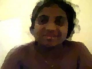 indian college girl recoit cum de son bf sur visage